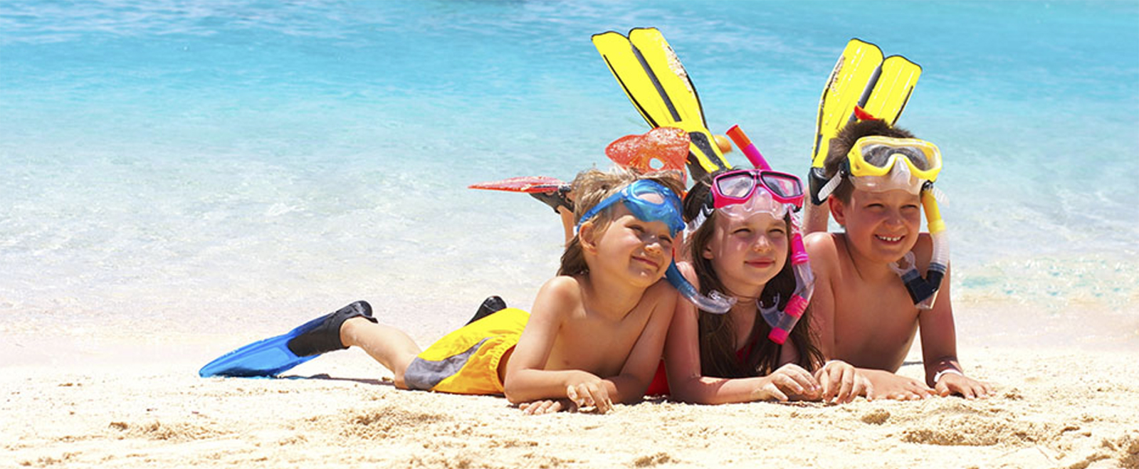 With kids by the sea: evergreen beach games!