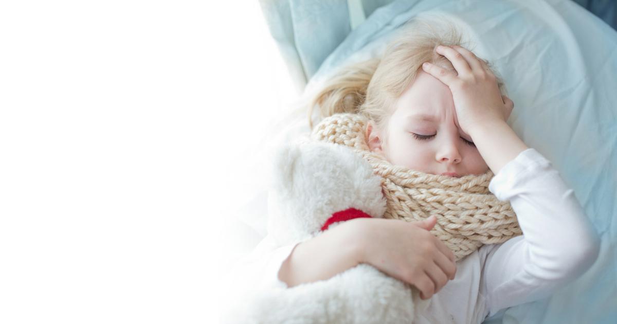 Emergenza freddo: come proteggere i bambini dal mal di gola